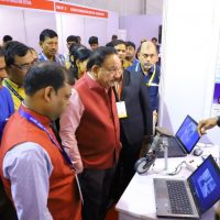 Dr Harsh Vardhan urges students to go for start ups